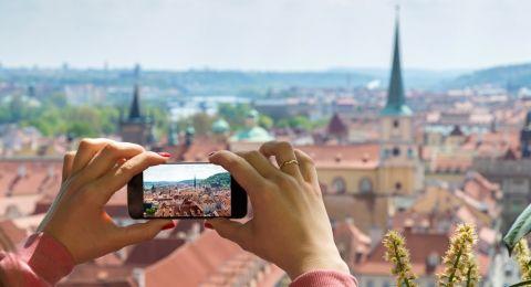 Rindu Jalan-jalan? Yuk Edit Foto Throwback Foto Travelling dengan Aplikasi
